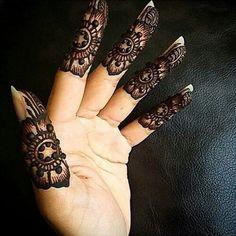 Henna Finger Mehendi Designs, Mehndi Designs For Fingers, Henna Tattoo Designs, Henna Tattoos, Henna Body Art, Hand Henna, Henna Mehndi, Henna Art, Mehndi Art