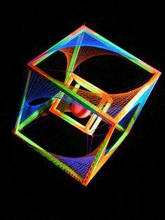 """3D String Art Deko Würfel """"Neon Sunset"""" #blacklight #schwarzlicht #stringart…"""
