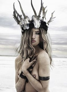 LOve this headpiece