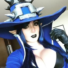 """League of Legends' Veigar by Jessica Nigri at Anime Expo 2015 (Link: http://sexyfandom.com/archives/2015/07/league-legends-veigar-jessica-nigri-anime-expo-2015/) Today's fabulous cosplay feature is Veigar, the """"Tiny Master of Evil"""", brought to you by the legendary buxom cosplay princess Jessica Nigri. In League of Legends, Veigar is a pint-sized force of malevolence and terror, but there's definitely nothing """"tiny""""... - Sexy Fandom"""