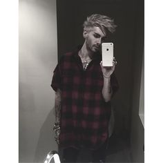See Instagram photos and videos from Bill Kaulitz (@billkaulitz)