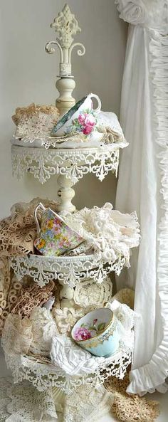 Love this! Would be so neat for one our Ladies Teas at the church!