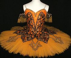 love it, this could be my halloween costume lol it has the right colors and everything