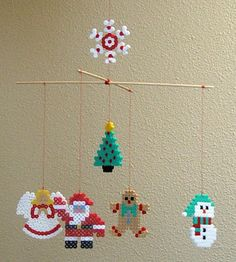 DIY Christmas mobile hama perler beads by Les Mercredis de Julie