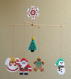 DIY Christmas mobile hama perler beads by Les Mercredis de Julie