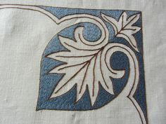 Ricamo Bizantino - Ricamiamo insieme con Rosanna Light Colors, Colours, African Flowers, Crewel Embroidery, Blackwork, Needlework, Pillow Covers, Diy And Crafts, Folk
