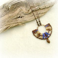 Light as a feather  fabulous micro macrame von MammaEarthCreations, $42.00