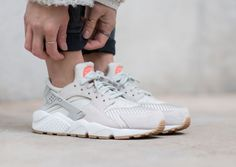 Sneakers femme - Nike Air Huarache Textile Light Bone