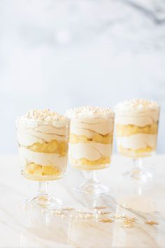 Cheesecake Shooters, Good Food, Yummy Food, Banana Split, High Tea, Cake Recipes, Bakery, Deserts, Favorite Recipes