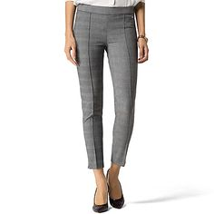 Tommy Hilfiger women's pant. The best of both worlds-menswear style and legging comfort--come together to create our favorite workwear staple. In other words, the perfect fit (and sublime feel). <br>• Jegging fit, low waist.<br>• 62% synthetic, 33% viscose, 5% elastene. <br>• Trouser styling. <br>• Machine washable. <br>• Imported.<br>