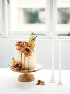 Paired back styling and a simple palette let a few statement details really shine in this Perth, Australia wedding editorial.