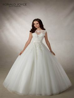 Angelica by Ronald Joyce. Interest Free Payment Plan #prudencegowns #ronaldjoyce #Exeter #Devon #Cornwall #bride #weddingdress #DressingYourDreams