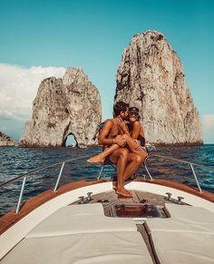 A Day in Capri couple A Day in Capri - Travel Couple Cute Relationship Goals, Cute Relationships, Cute Couples Goals, Couple Goals, Fotos Strand, Cute Couple Pictures, Couple Photos, Capri Italy, Photo Couple