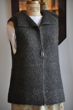 Diy Crafts - Ravelry: Project Gallery for Deb pattern by Andra Knight-Bowman Free Knitting Patterns For Women, Knitting Designs, Knit Patterns, Knit Vest Pattern, Creations, Clothes, Beautiful Pictures, Ideas, Fashion