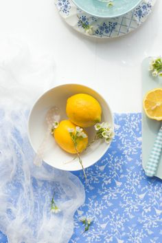 #food photography #fresh lemons #white florets #inspiration | Au Petit Goût