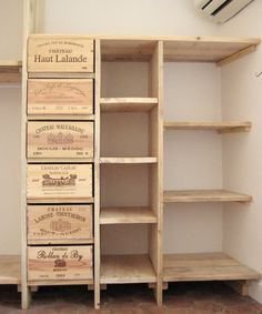 Wine Crate Shelves Drawers 46 New Ideas Wooden Wine Crates, Vintage Crates, Crate Shelves, Wine Box Shelves, Crate Bookcase, Pallet Furniture, Antique Furniture, Home Organization, Diy Home Decor