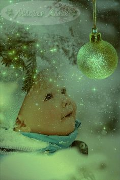 everyday a different color, beautiful gifs, soft goth, nature. images that I like and attract my attention. I hope you'll find images here for your taste too. Merry Christmas And Happy New Year, Little Christmas, Christmas Wishes, All Things Christmas, Winter Christmas, Vintage Christmas, Christmas Holidays, Christmas Child, Green Christmas