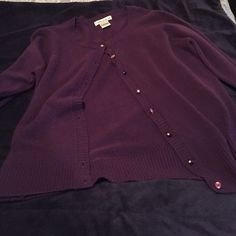 Purple sweater In great condition☺️ Sweaters Cardigans