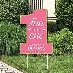 Birthday Girl - Fun to be One - Party Decorations - First Birthday Party Personalized Welcome Yard Sign 1st Birthday Party For Girls, 1st Birthday Party Decorations, One Year Birthday, Girl Birthday Themes, Girl Themes, Baby First Birthday, Birthday Ideas, Hawaiian Birthday, Fabulous Birthday