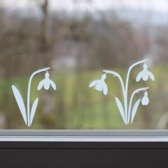 Snowdrop made of adhesive film, # adhesive film # snowdrop # . - Snowdrops made of adhesive film, # Adhesive film - Chalk Pens, Chalk Markers, Chalk Art, Window Art, Window Decals, Window Picture, Art Restaurant, Easter Paintings, Easter Art