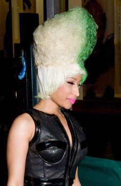Nicki Minajs funky hairstyle