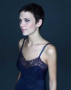 The best collection of Lovely Very Short Haircuts for Women, latest and best short hairstyles, short hair trends 2018 - 2019 Very Short Bangs, Super Short Pixie, Popular Short Hairstyles, Girls Short Haircuts, Pixie Hairstyles, Long Pixie, Wedding Hairstyles, Hair Styles 2014, Short Hair Styles