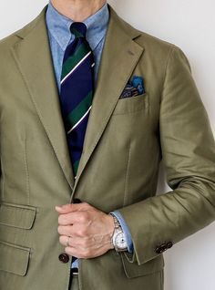 Best Suits For Men, Cool Suits, English Gentleman, Gentleman Style, Business Outfits, Business Fashion, Business Clothes, Ivy Fashion, Khaki Suits