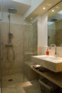 Bagno in Pietra di Rapolano chiara  http://italystonemarbe.com  www.pietredirapolano.com