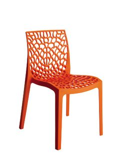 Groovy  all weather chair from Beaufurn, polypropylene, in both transparent and solid colors.
