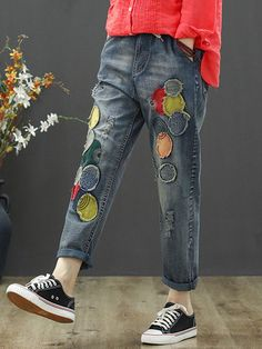 Retro Patch Loose Distressed Elastic Waist Jeans is a trendy, Newchic provides wide range of best cheap Denim & Jeans for you. Denim Fashion, Fashion Outfits, Patchwork Jeans, Denim Quilts, Jolie Lingerie, Denim Ideas, Patched Jeans, T Shirt Diy, T Shirts With Sayings