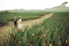 A Vintage-Inspired Outdoor Engagement Shoot in South Cotabato Pre Wedding Photoshoot, Love Photography, Filipino, Engagement Shoots, Fields, Vintage Inspired, Country Roads, Romantic, Outdoor