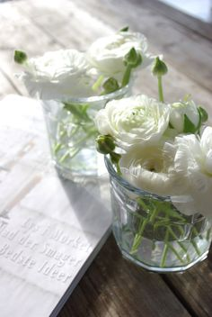 I Heart White Flowers x www.wisteria-avenue.co.uk