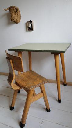 Bureau scandinave pour enfants / Sweedish school desk , €130.00 by LES PETITS BOHEMES