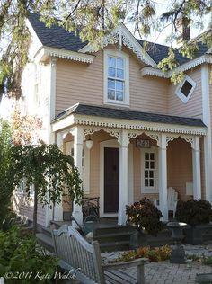 Super exterior paint colours for house cream southern living ideas Exterior Paint Colors For House, Paint Colors For Home, Exterior Colors, Exterior Design, Paint Colours, Victorian Homes Exterior, Cottage Exterior, Exterior Houses, Victorian Houses