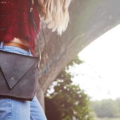 The Drifter in stock and ready to send! Just 8 days left for guaranteed delivery by Christmas - click through to the website to get a special and unique present for your fave girl  #christmasshopping #christmasgift #specialgift #minimalist #leatherbag #designerbag #independentfashion #eastlondon #carvlondon