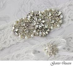 Custom Bridal Garter sets    Keywords: #bridalgarters #jevelweddingplanning Follow Us: www.jevelweddingplanning.com  www.facebook.com/jevelweddingplanning/