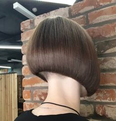 The Effective Pictures We Offer You About nape undercut feminine A quality picture can tell you many Nape Undercut, Undercut Women, Undercut Hairstyles, Stacked Bob Hairstyles, Pretty Hairstyles, Bob Haircuts, Shaved Nape, Shaved Sides, One Length Bobs
