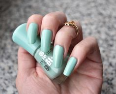 essence - play with my mint  #essence #nailpolish #nagellack #essencelove #bblogger #mint