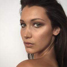 "@fulviafarolfi on Instagram: ""THIS GIRL @bellahadid ⚡️#behindthescene #pic #nofilter #makeupbyfulviafarolfi"""