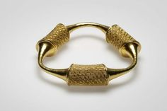 Bracelet | Mary Lee Hu.  18k and 22k gold, twined and fabricated.