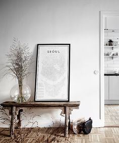 Small and stylish living space - via Coco Lapine Design blog