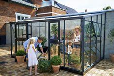 Veranda väggmonterat växthus från Willab Garden.