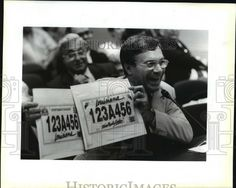 1992 Press Photo Hugh Hyman holds Proposed Louisiana License Plates in Senate