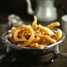 These is my new favorite website!!! SOO MANY RECIPES FOR YUMMY FOOD!!!Cinnamon sugar churros