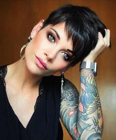 Today we have the most stylish 86 Cute Short Pixie Haircuts. We claim that you have never seen such elegant and eye-catching short hairstyles before. Pixie haircut, of course, offers a lot of options for the hair of the ladies'… Continue Reading → Haircut For Thick Hair, Haircut And Color, Cute Hairstyles For Short Hair, Hairstyles Haircuts, Short Hair Styles, Popular Hairstyles, Black Pixie Haircut, Model Hairstyles, Classy Hairstyles