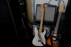 What are your go-to #Fender guitars? #fender #jimihendrix #hendrixstrat #stratocaster #jaguar #jaguarhh #kurtcobain #walterschreifels #quicksand #fenderblues #bluesjr #hotrod #amp #guitar #guitars #music #hardcore #electricguitar #musician