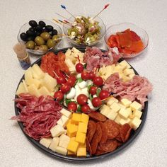 Italian Meat & Cheese Platter Here is a very easy Italian Meat and Cheese platter that anyone can make and it will be a big hit for any party.  You can use any meats and cheese you like, add some olives, stuffed peppers, roasted peppers, artichoke hearts, or anything you like. On this platter for …