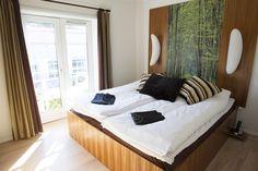 Værelse #hotelværelse #hotelophold #comwell #korsør Spa, Furniture, Home Decor, Decoration Home, Room Decor, Home Furnishings, Home Interior Design, Home Decoration, Interior Design