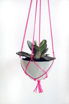#DIY Hanging Plant Holder http://www.handimania.com/diy/hanging-plant-holder.html