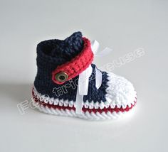 кроссовки вязаные для ребенка (2 пары заколки)